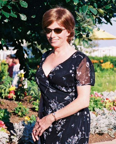 Photo of Lynn on her honeymoon , August 2002.